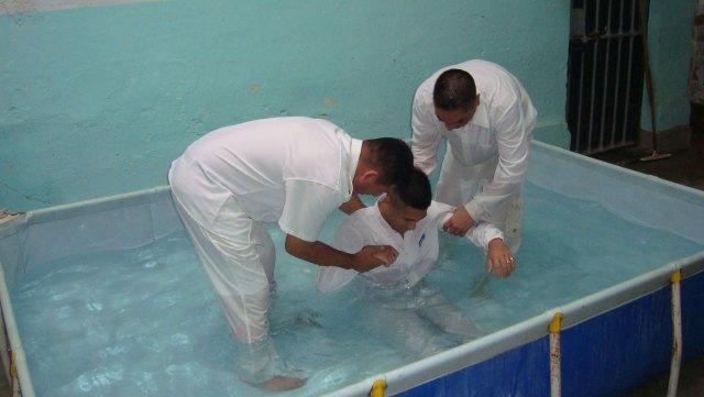 El servicio penitenciario convoca a pastores evangélicos para pacificar pabellones.