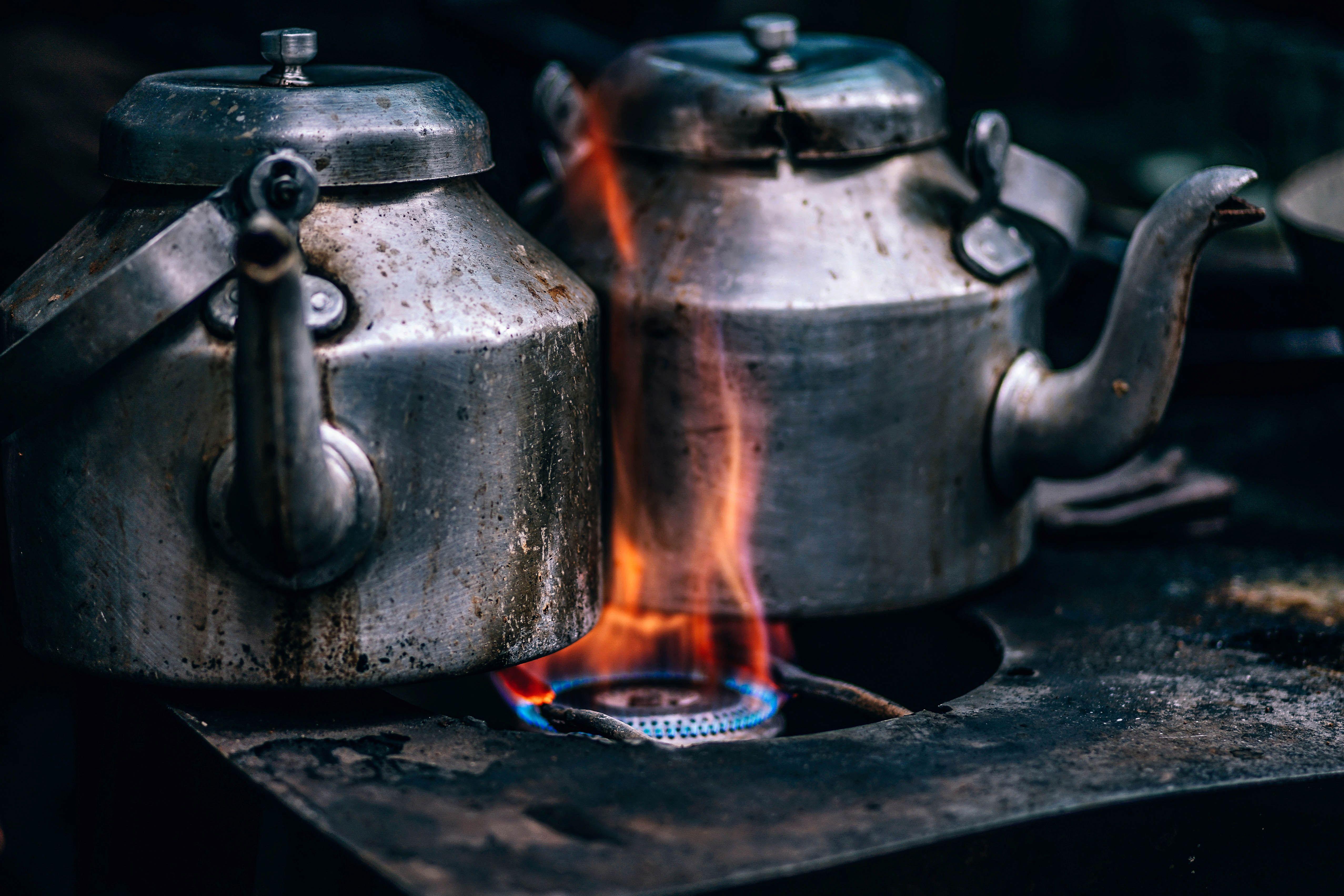 La llama de la hornalla puede provocar monóxido de carbono en lugares con mala ventilación. Lo mismo sucede con calefones y hornos.