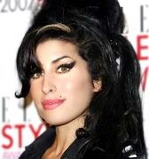 Amy Winehouse a părăsit această lume
