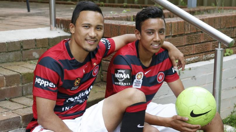 Kearyn Baccus extends his stay with the Wanderers