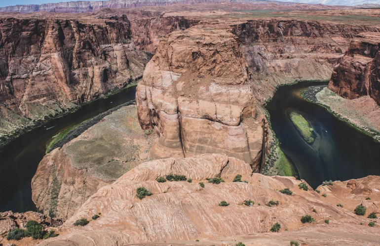 Horseshoe bend hike page arizona