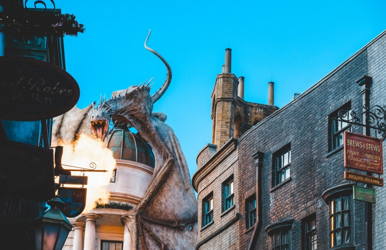 Gringotts dragon wizarding world of harry potter universal orlando harry potter