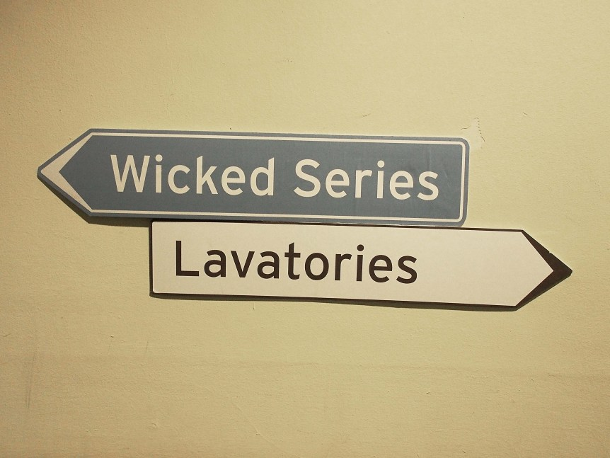 Wicked signs (Aukje Dekker/Flickr)