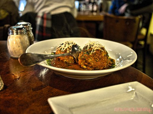dannys-steakhouse-2-of-8
