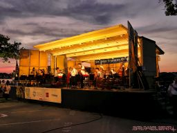 New Jersey Symphony Orchestra in Marina Park 7 of 18