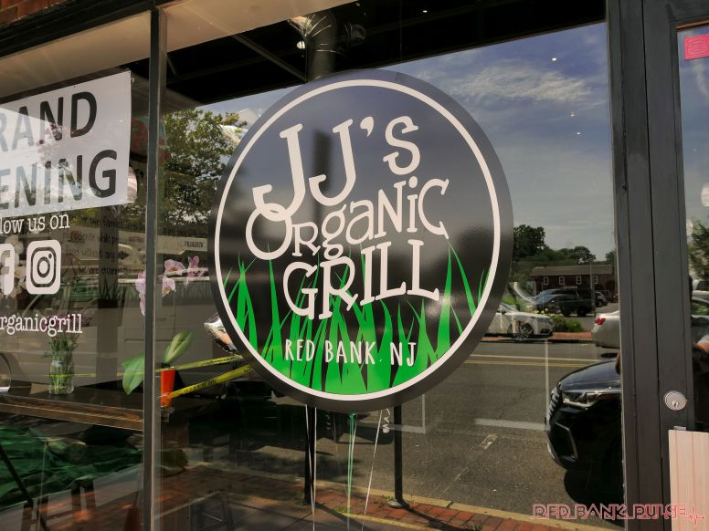 JJ's Organic Grill 13 of 15