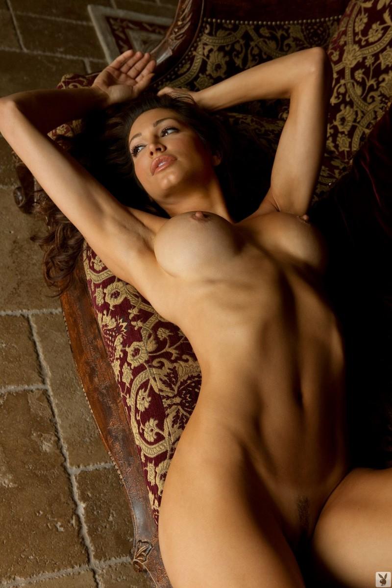 Beautiful naked italian women