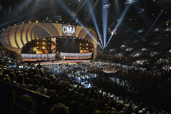 Resultado de imagem para cma awards bridgestone arena