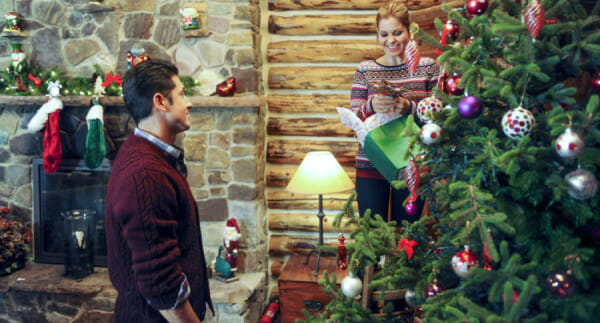 Christmas Under Wraps Cast.Christmas Under Wraps