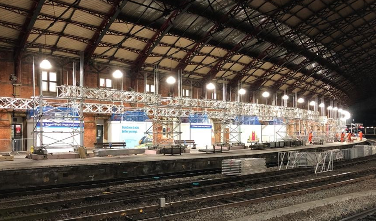 Halo-A-Pod-protecting-workers-at-Bristol-Temple-Meads-renovation