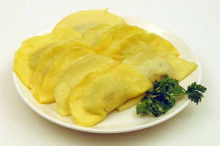 Egg Dumplings (鮮肉蛋餃)