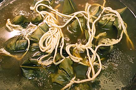 zongzi-boiling