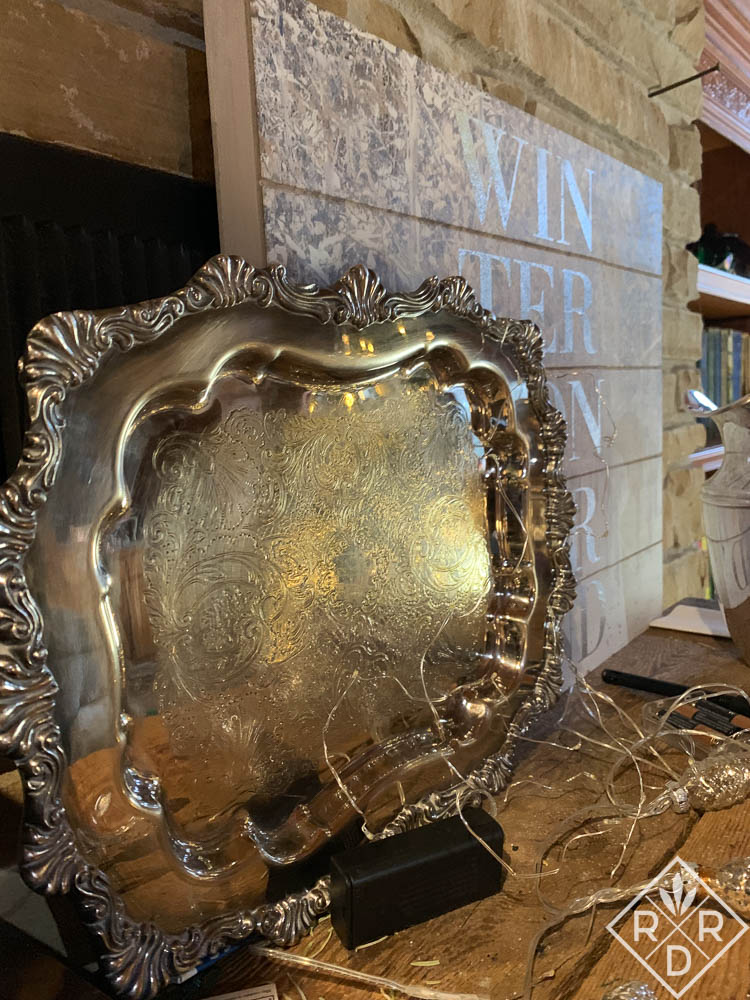 Silver platter and sign Winter Wonderland (1 of 1)