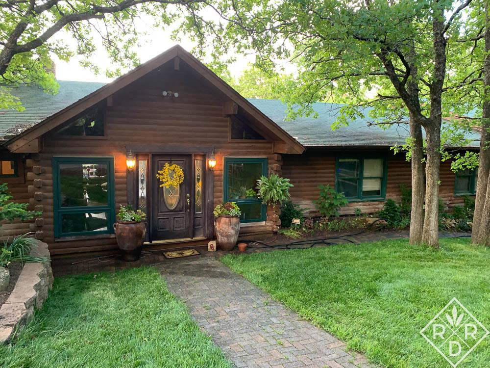 Front of Dee Nash's house at Little Cedar Garden.
