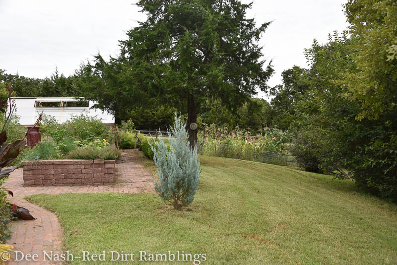 Different view of the garden. The potager is on the left, and the vegetable/cutting garden is on the right.