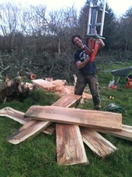 Planking using a chainsaw mill