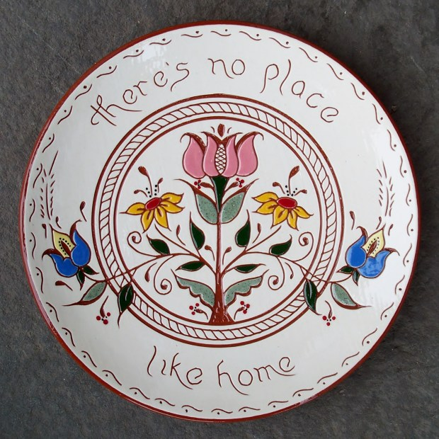 'There's no place like home' 8 in. Plate