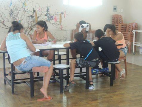 As crianças leram os textos...