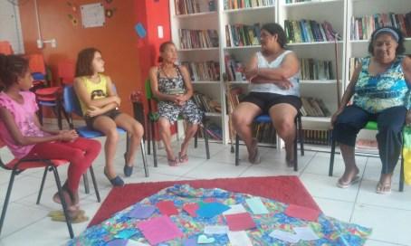 Encontro de gerações de mulheres guerreiras na Biblioteca Comunitária Chocolatão.