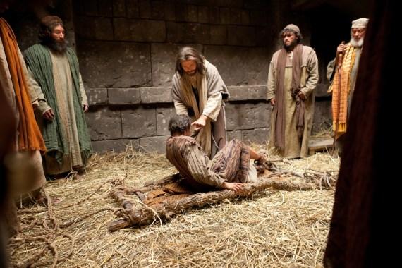 Jesus forgives paralytic Luke 5:17-26