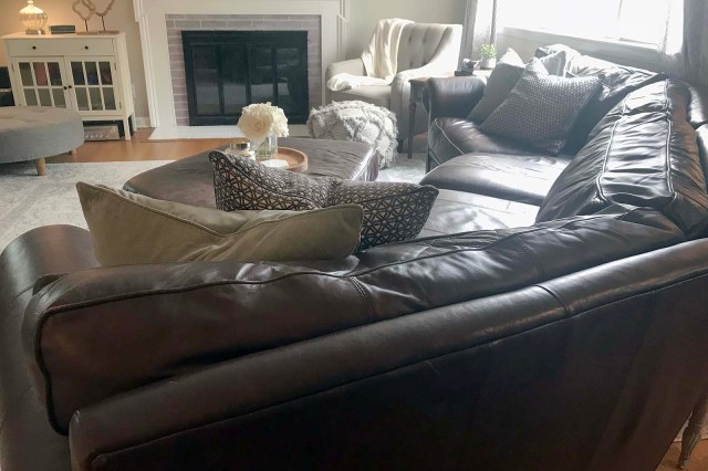 Couch Wide