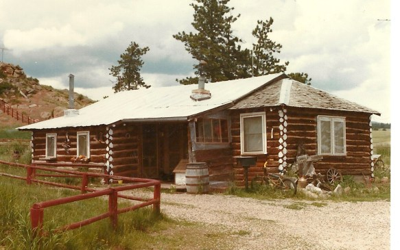 Hardin Cabin in the Summertime