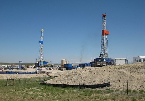 Drilling_for_gas_in_WY