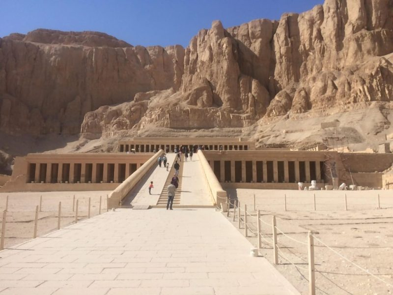 Colonnaded design of Hatshepsut temple