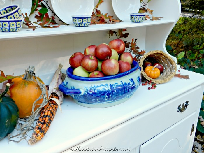 Thanksgiving Hutch Redheadcandecorate.com