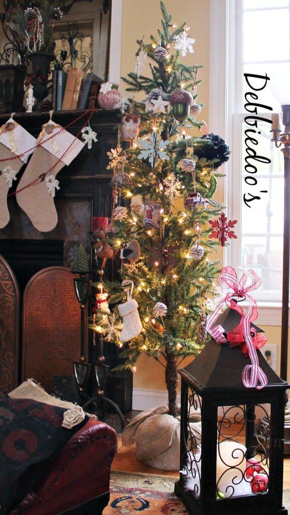 Debbiedoo Christmas Tree