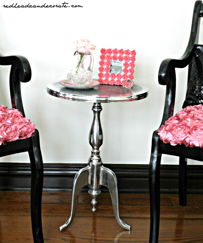 What a pretty accent table!