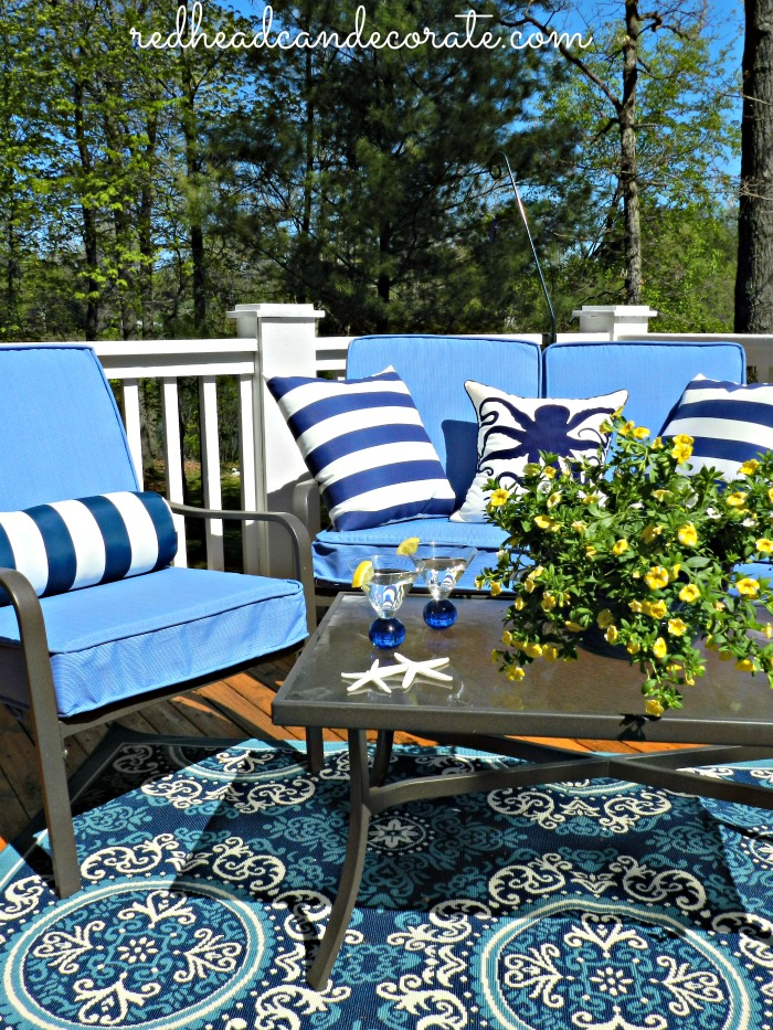 9 gorgeous outdoor spaces that will knock your socks off! Literally!