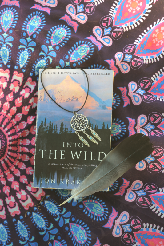 Outfit Into the wild Book Dreamcatcher necklace Feather