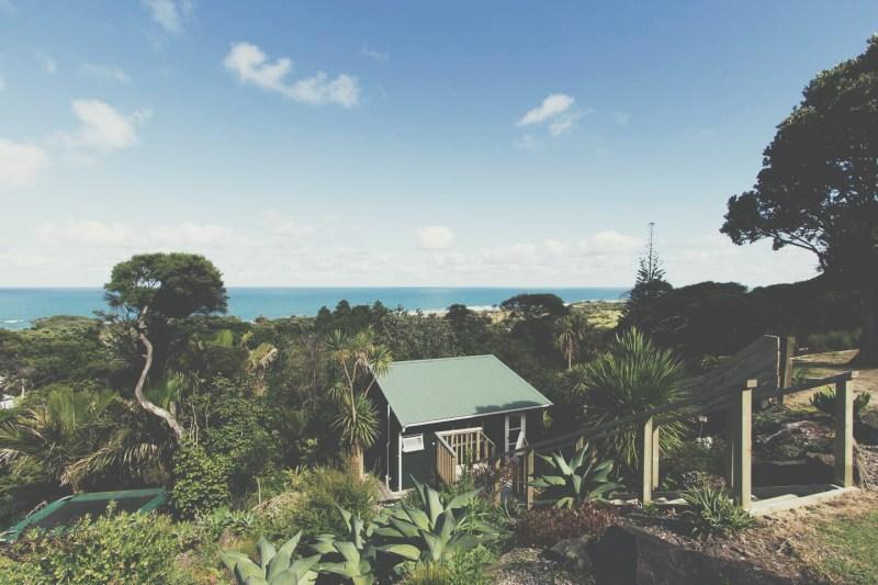 airbnb-muriwai-beach-cabin-new-zealand