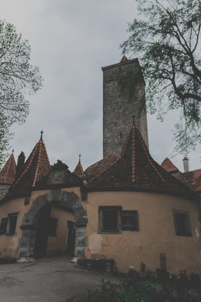 redheadventurer-liza-laboheme-rothenburg ob der tauber-travel-castle