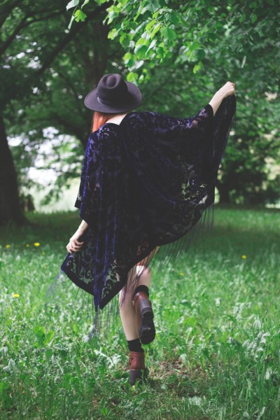 redheadventurer-liza-laboheme-fashion-style-essentials-boho-hippie-massa-kimono-2-1