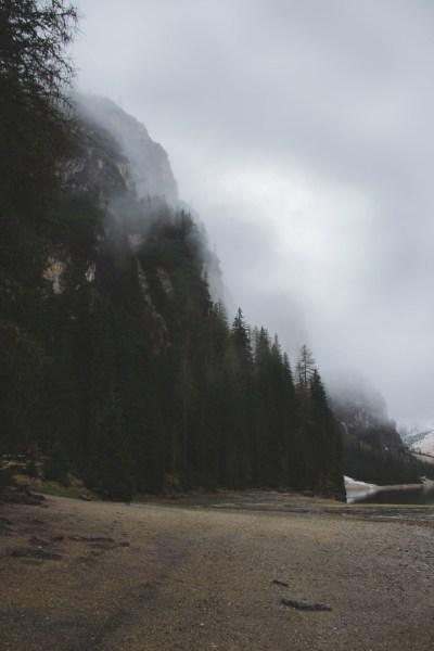 redheadventurer-liza-laboheme-travel-south-tyrol-lago-di-braies-forest