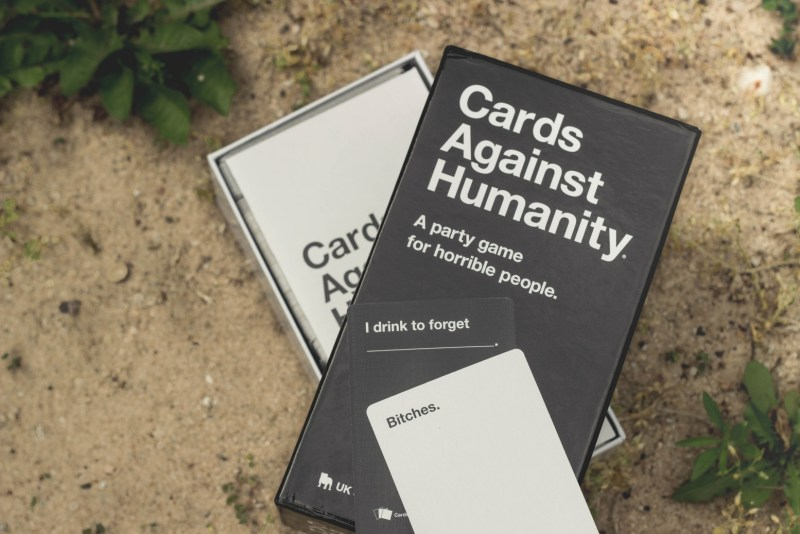 redheadventurer-liza-laboheme-tips-day-at-the-lake-games-cards-against-humanity