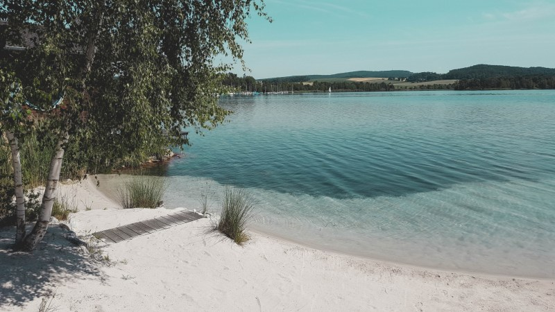 redheadventurer-liza-laboheme-blog-travel-brückelsee-germany-lake-water-beach