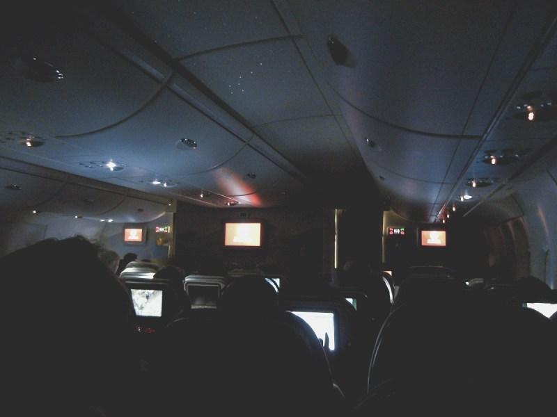 redheadventurer-liza-laboheme-travel-survive-long-haul-flight-plane (1)