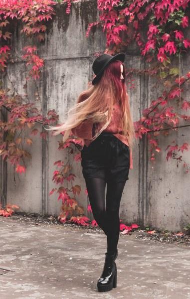 redheadventurer-liza-laboheme-fashion-outfit-coral-fall-6