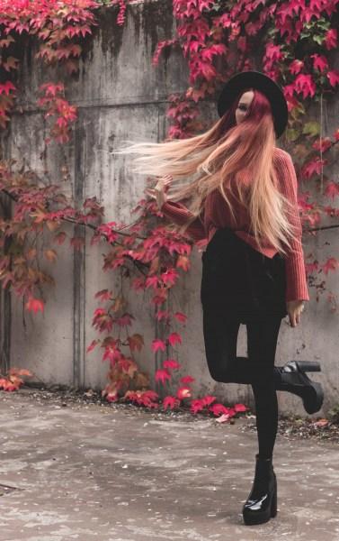 redheadventurer-liza-laboheme-fashion-outfit-coral-fall-7