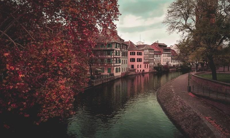 redheadventurer-liza-laboheme-travel-alsace-france-rouffach-colmar-strasbourg-river