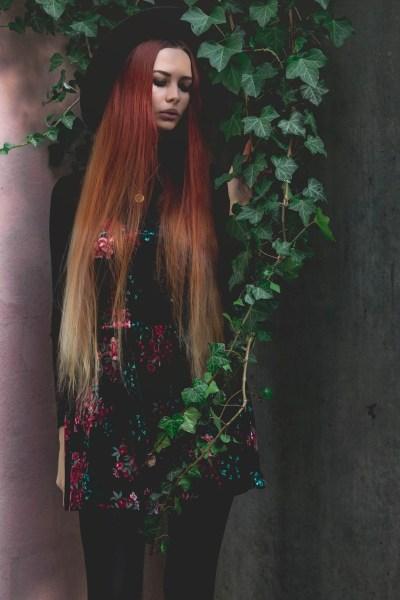 redheadventurer-liza-laboheme-dark-romantic-outfit-velvet-roses (3)
