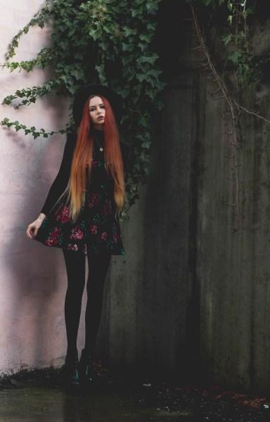 redheadventurer-liza-laboheme-dark-romantic-outfit-velvet-roses (7)