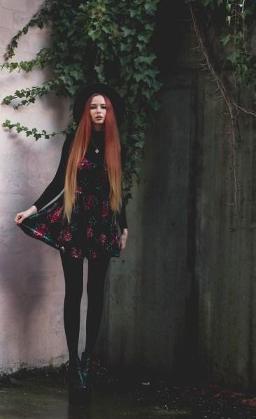 redheadventurer-liza-laboheme-dark-romantic-outfit-velvet-roses (8)