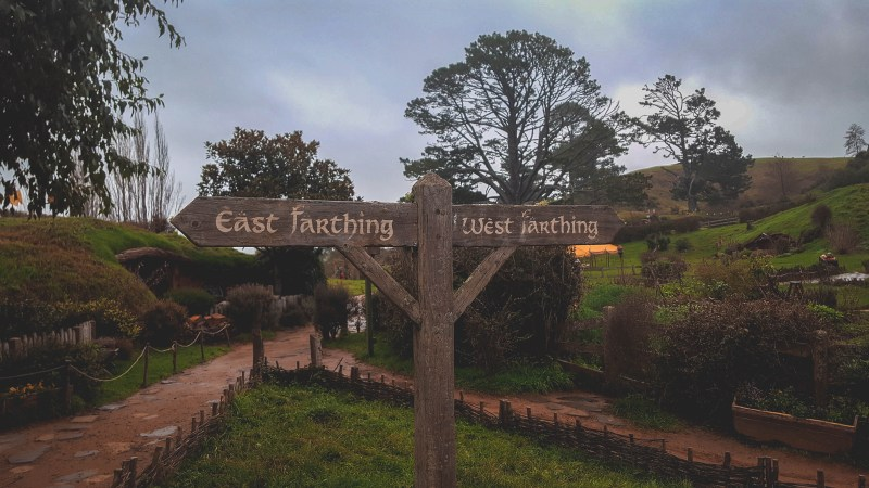 new-zealand-hamilton-hobbiton-lotr-travel-blog-redheadventurer-liza-laboheme (2)
