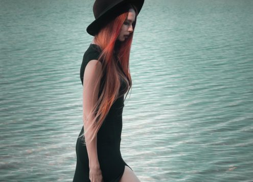 redheadventurer-liza-laboheme-fashion-outfit-black-dress-boohoo-lake-wilderness-title