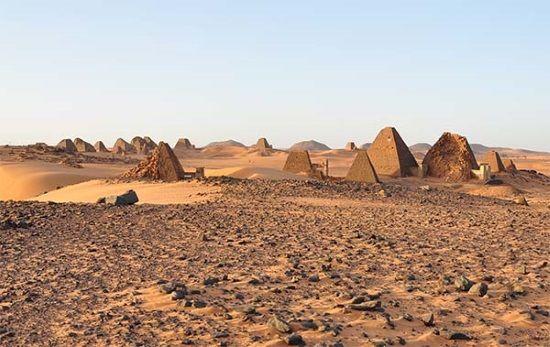 Las Pirámides de Meroe, grandes ignoradas por los turistas en Egipto.