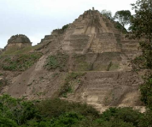Pirámide maya de Toniná, entre las más altas de esa civilización. Crédito: INAH.